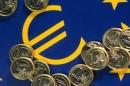 oslabování eura vůči dolaru započalo v dubnu a koruna oslabuje vůči dolaru i euru