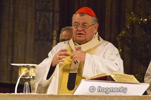 J. Em. Dominik kardinál Duka, arcibiskup pražský a primas český v chrámu sv. Víta, Václava a Vojtěcha