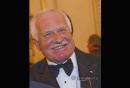 Prezident Václav Klaus se může při pohledu zpět právem šťastně usmívat