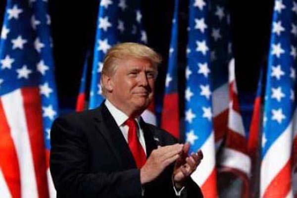 Prezident USA Donald Trump mohl být po schůzce s Merkelovou spokojen